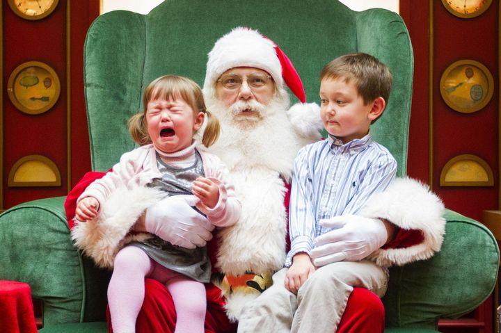 Дети и Дедушка Мороз