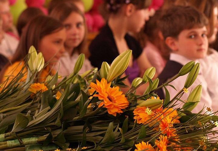День учителя - поздравления от учеников