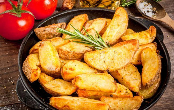 Хрустящий картофель под сырной корочкой