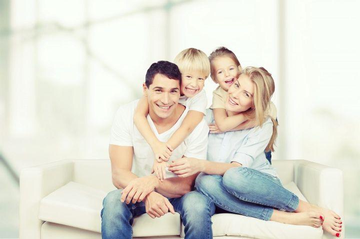Семья с двумя детьми