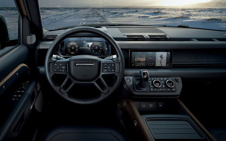 Интерьер Land Rover Defender 2020