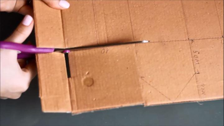 Пошаговая инструкция изготовления картонного новогоднего домика