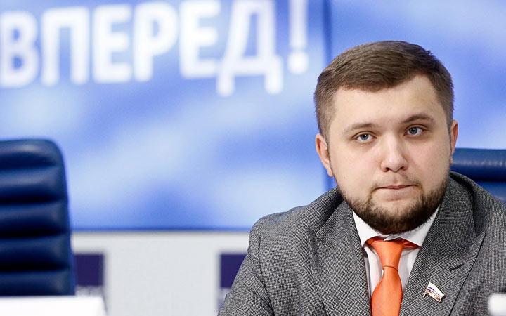 Борис Чернышов предлагает ввести мораторий на изменения в ЕГЭ