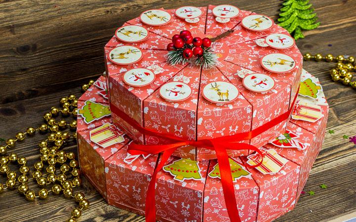 Торт из подарков-сюрпризов на Новый Год 20200