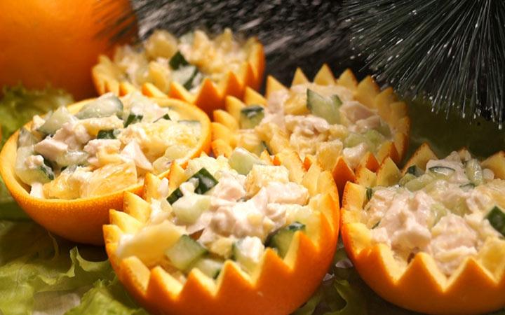 Салат с апельсинами и курицей на Новый Год 2020