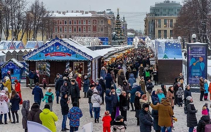 Ярмарка в Санкт-Петербурге на Манежной площади