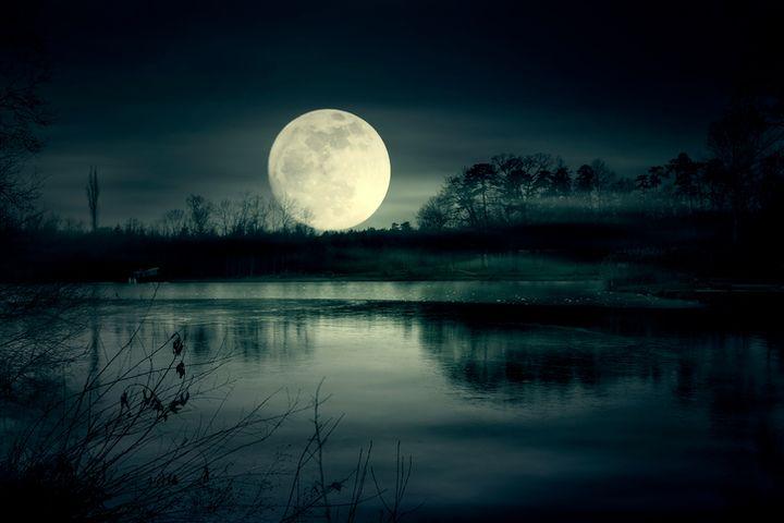 Ночь над озером