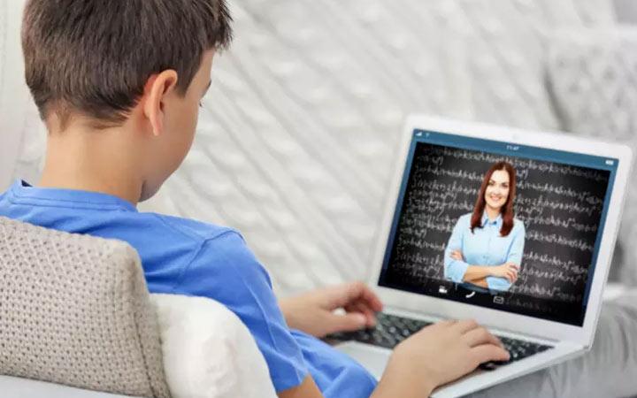Дистанционное обучение и новый график каникул в школах Украины в 2020 году