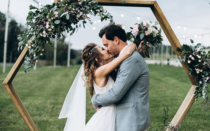 Счастливые дни 2021 года для свадьбы и венчания