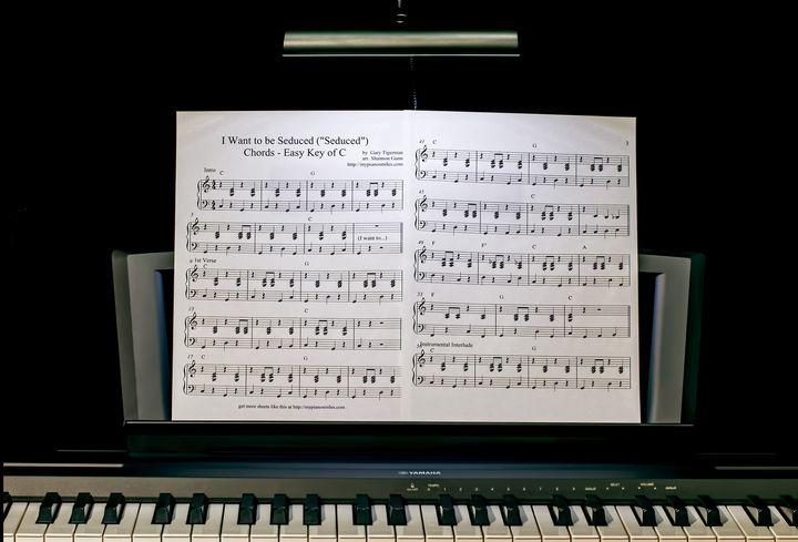Ноты на фортепиано