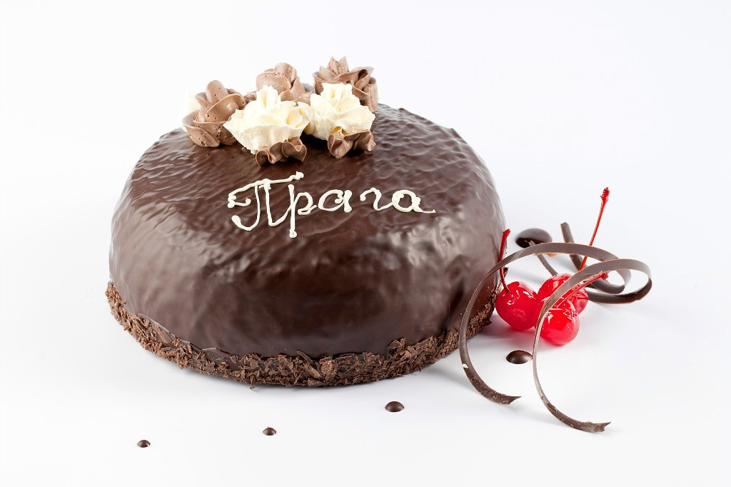 Торт «Прага» на Новый год 2020 фото