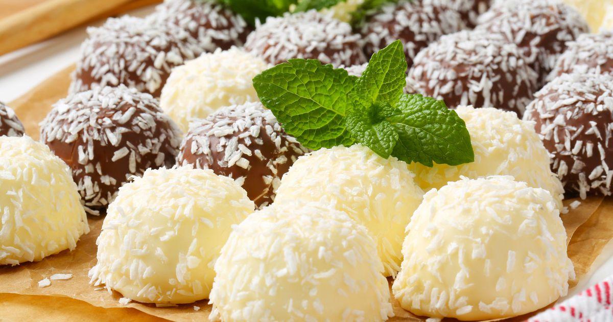 Рецепт домашних конфет «Снежный ком» фото
