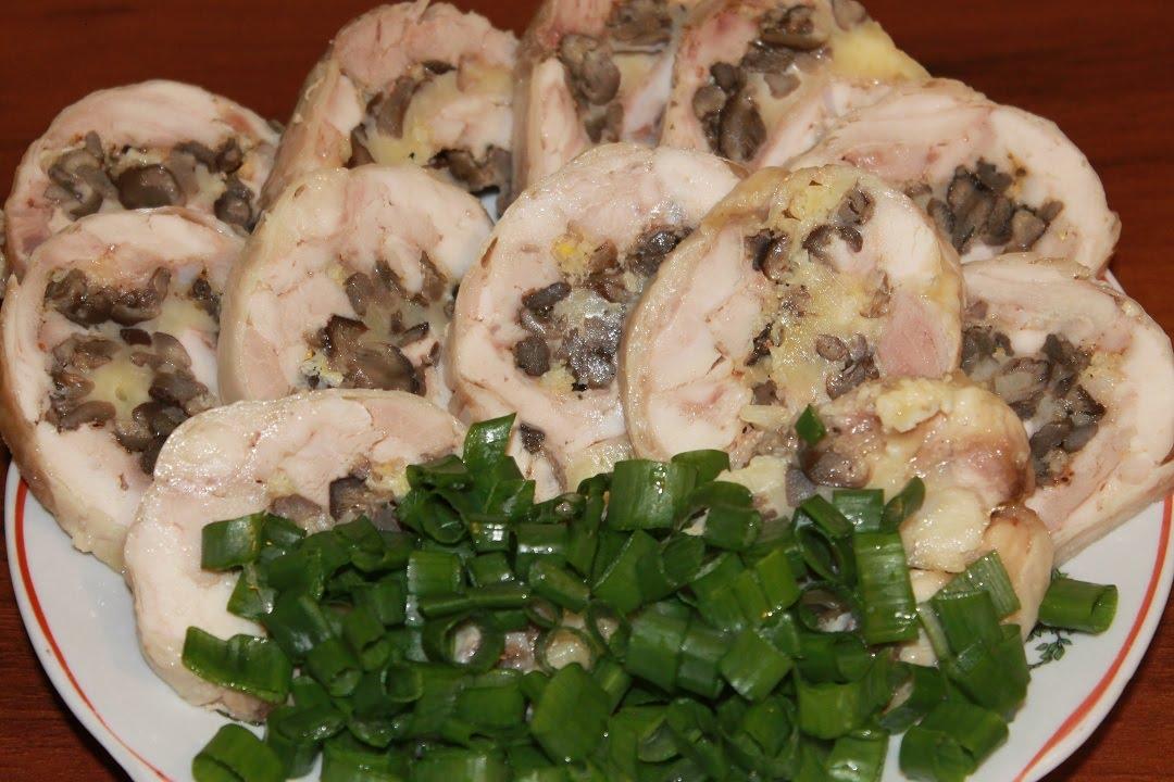 Рулеты из курицы с грибочками и сыром фото