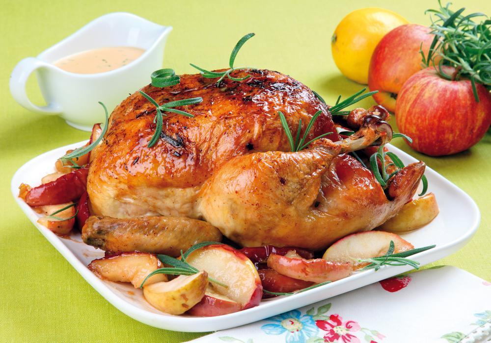 Запеченный цыпленок фото